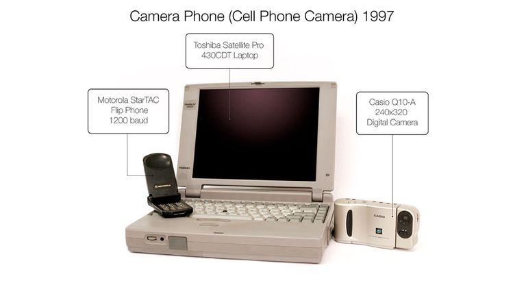 Estos fueron los dispositivos que utilizó Kahn para desarrollar el prototipo de cámara en 1997 que luego sería replicado por los smartphones años más tarde