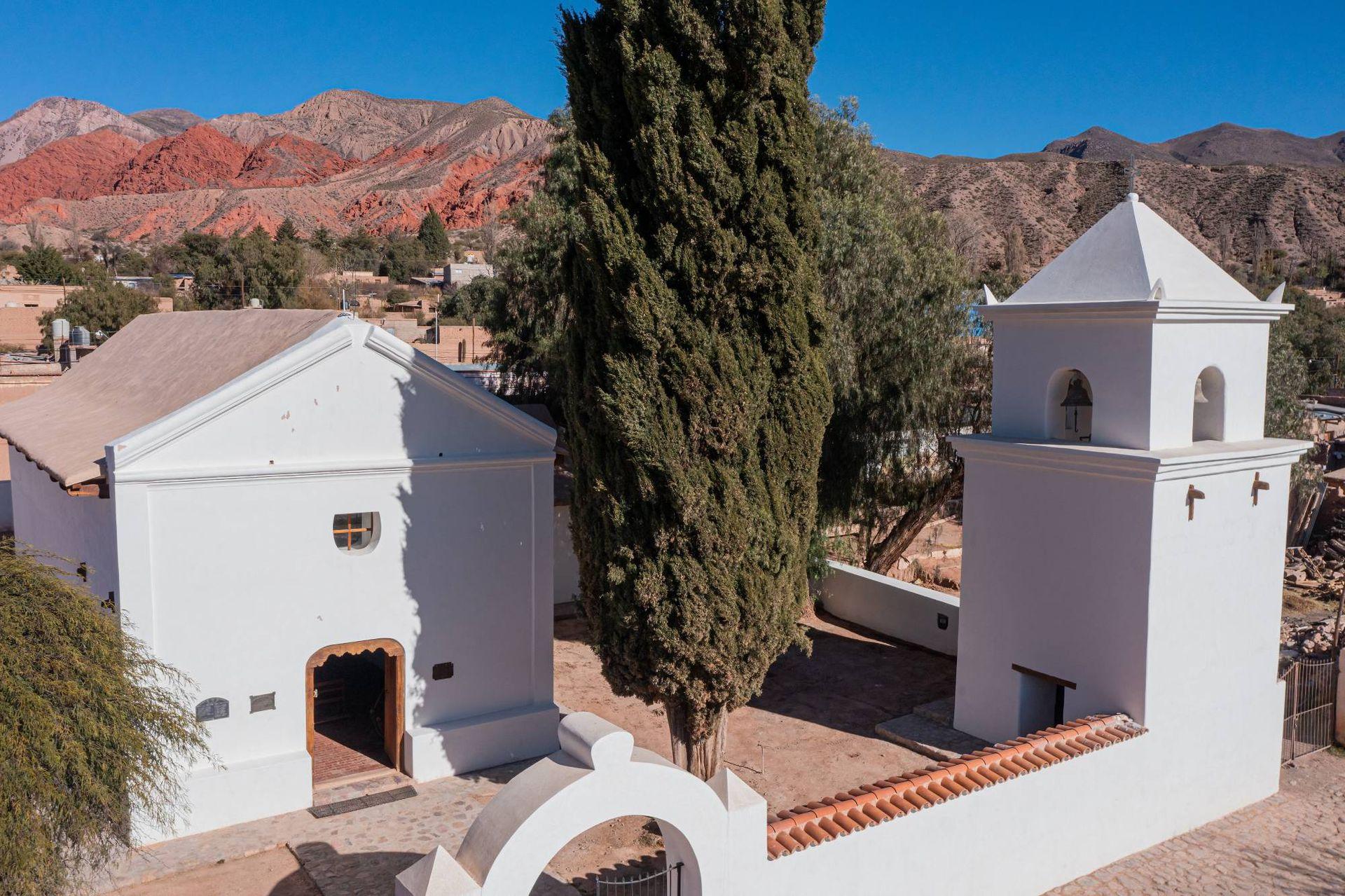 La pequeña iglesia de Uquía recién restaurada.