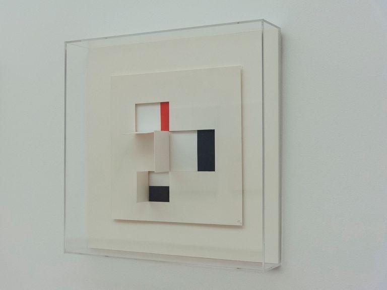 La exposición abarca también obras realizadas en papel, como las que se exhibieron el año pasado en la galería María Calcaterra