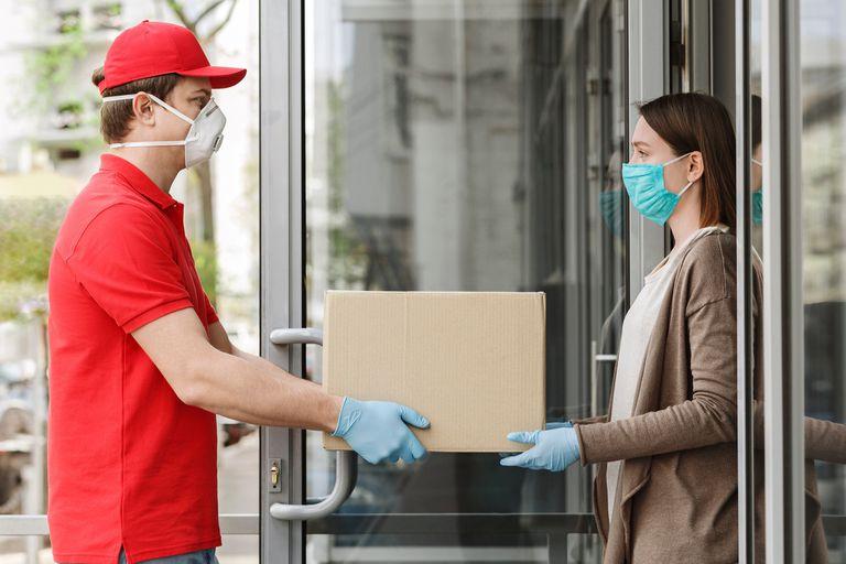 El servicio de entrega puerta a puerta también lo brindan a través de la empresa estatal, pero el trámite es mucho más burocrático