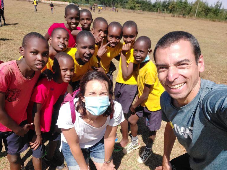Es argentino y volvió a Kenia en busca de una vida más simple y austera