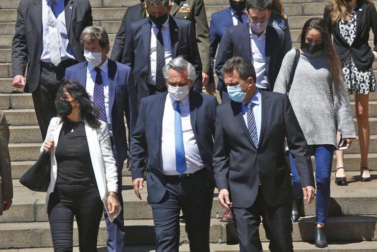 Alberto Fernández, con Vilma Ibarra y Sergio Massa, a quienes había aludido en su carta del lunes la vicepresidenta Cristina Kirchner