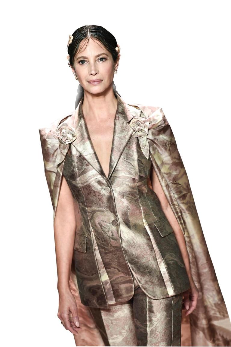 La supermodelo estadounidense Christy Turlington demostró que su belleza y estilo están intactos.