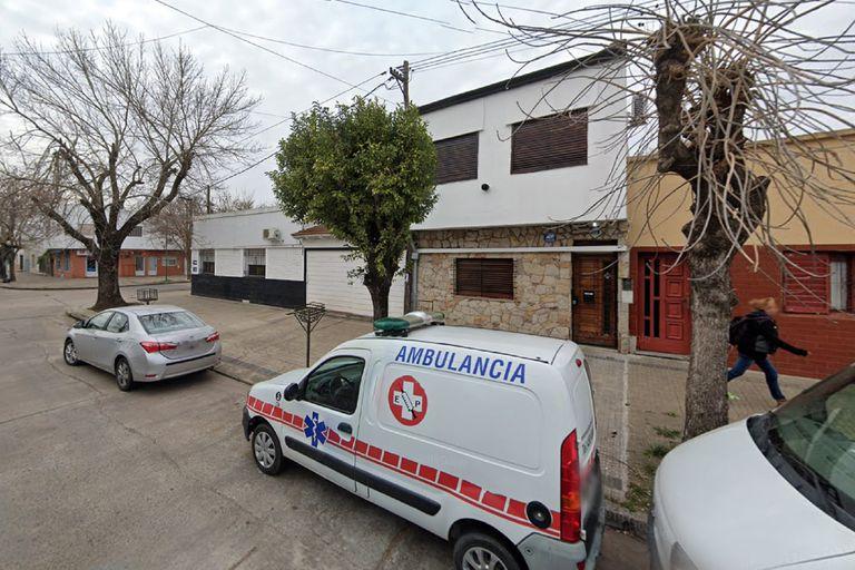 La cuadra donde se produjo el tiroteo en el que murió un ladrón de 15 años que entró por asalto en una casa, en la calle 49 entre 27 y 28, La Plata