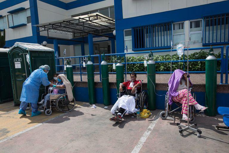 La pandemia colapsó el sistema de salud y afectó sobre todo al sector informal