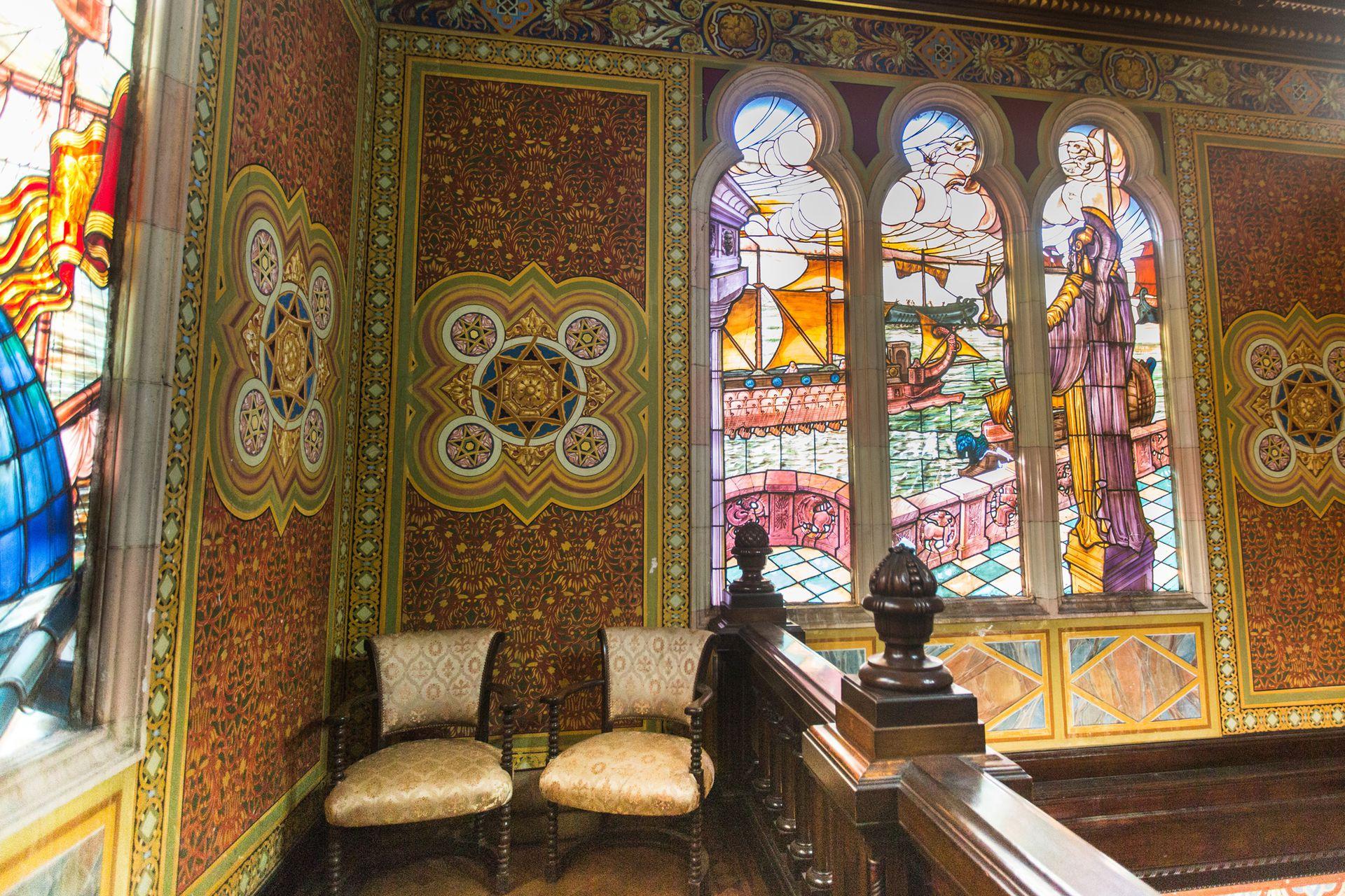 Los vitrales del Club Canottieri se mantienen en perfecto estado.
