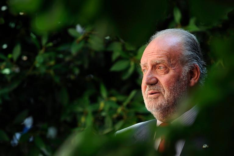 Asediado por los escándalos, Juan Carlos I abandona España