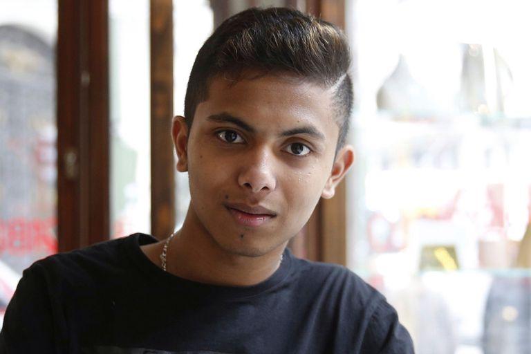 El refugiado Fahim tiene 13 años