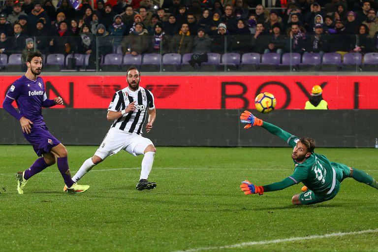 Fiorentina ganó con un gol de Gonzalo Higuaín y lidera el Calcio