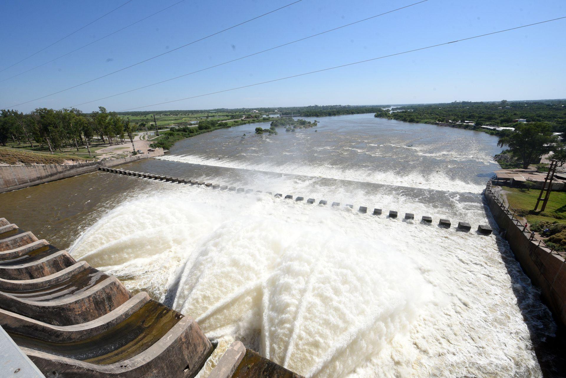 El dique de Termas de Río Hondo.