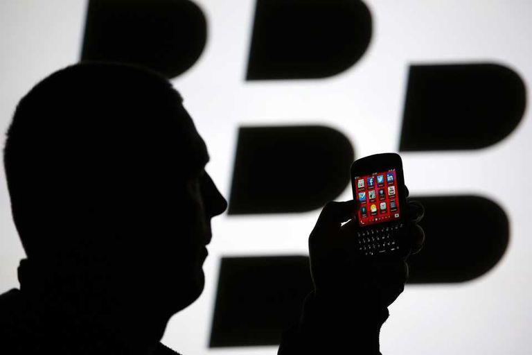 BlackBerry vuelve a lanzar el servicio de mensajería instantánea BBM para Android y iOS, luego de su fallida presentación hace un mes