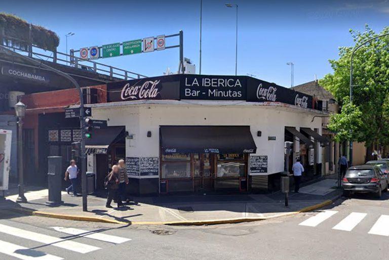 Bar La Ibérica, en Entre Rios y Cochabamba