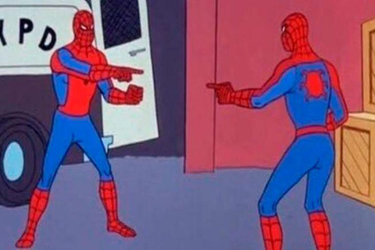 El clásico meme de Spiderman salió de un capítulo de la serie animada de 1967, llamado Doble Identidad