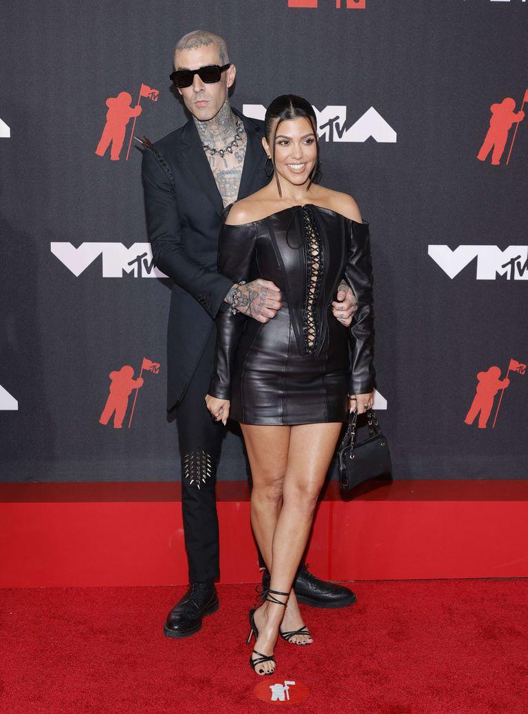 Travis Barker y Kourtney Kardashian combinaron a la perfección con sus estilos mas rockeros