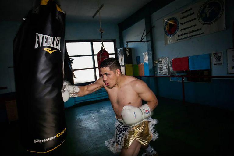 Entrevista exclusiva: Brian Castaño, a horas de la pelea de su vida