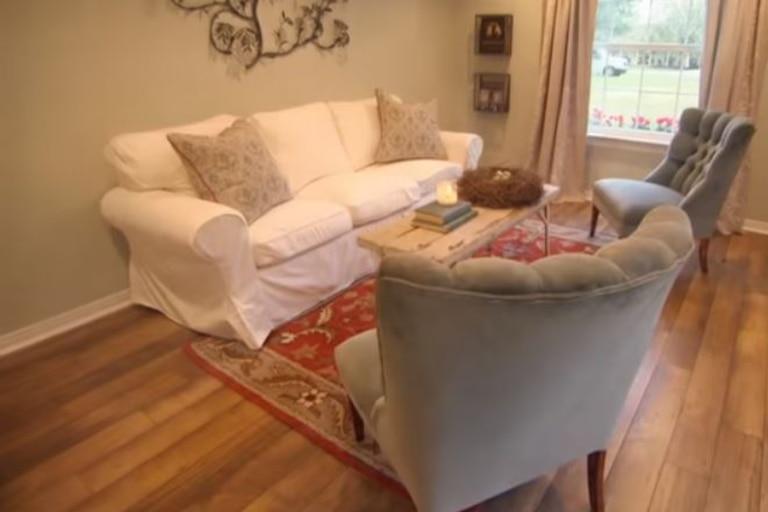 La renovación del interior como una sala de estar. Imagen: HGTV