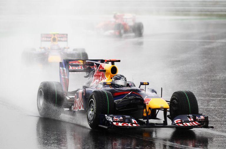 Red Bull RB6 Renault 2010. Piloteado por Sebastian Vettel, antes la escudería propiedad del empresario austríaco se llamaba Stewart Grand Prix