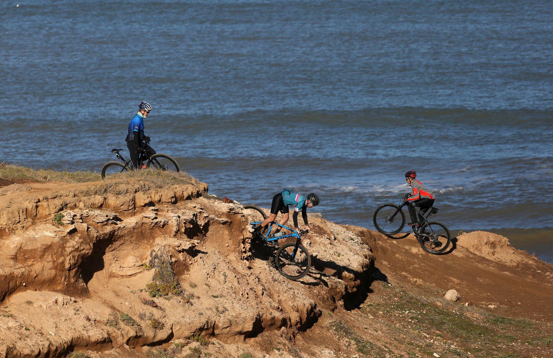 Mountain bike, uno de los deportes más elegidos cerca del mar de Chapadmalal