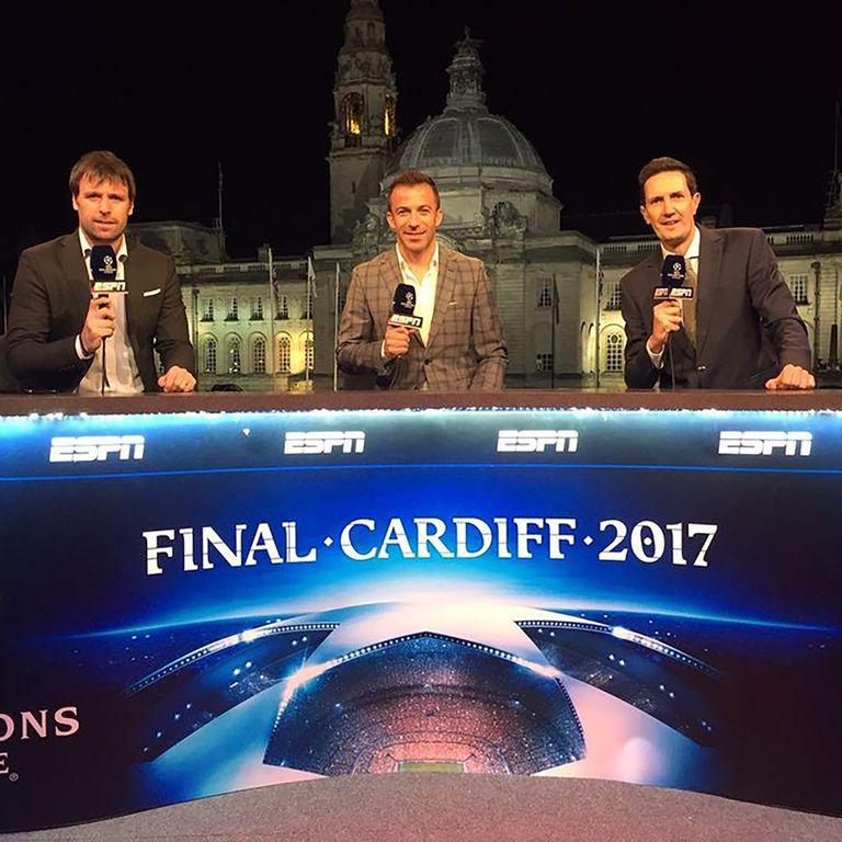 En lo previo a la final de la Champions League 2017, con Alessandro Del Piero y Fernando Cavenaghi.