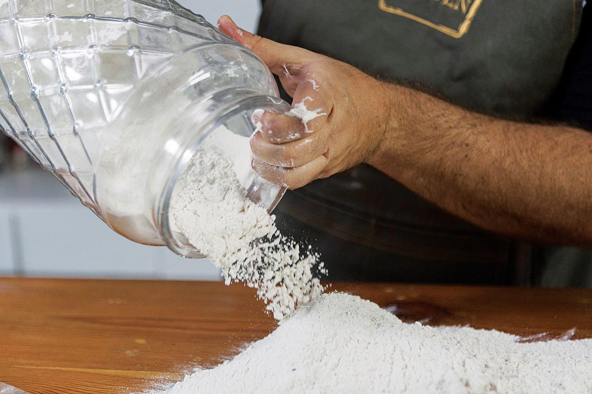 """""""El pan de masa madre fermenta mucho tiempo, eso lo hace más digerible"""", justifica Garriga"""