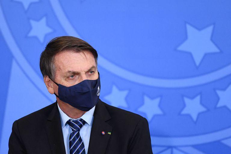 El presidente de Brasil, Jair Bolsonaro, sostiene que de haber decretado medidas estrictas de confinamiento desde el inicio de la pandemia, el país enfrentaría ahora una grave crisis económica