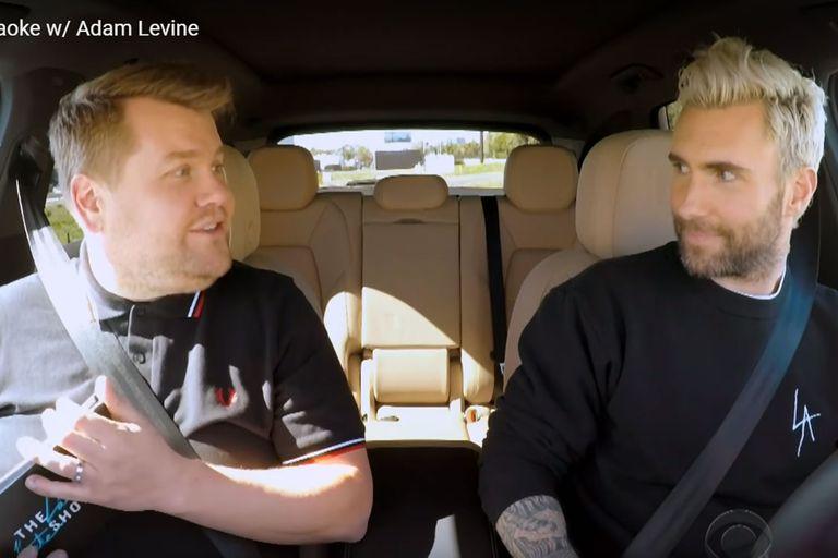 Adam Levine casi causa un caos de tránsito al ser parte de Carpool Karaoke