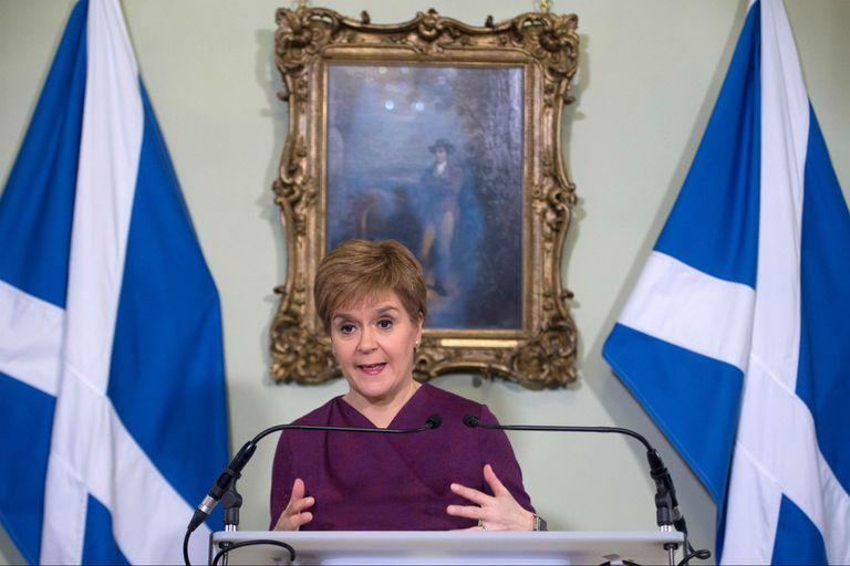 Nicola Sturgeon, la ministra principa de Escocia