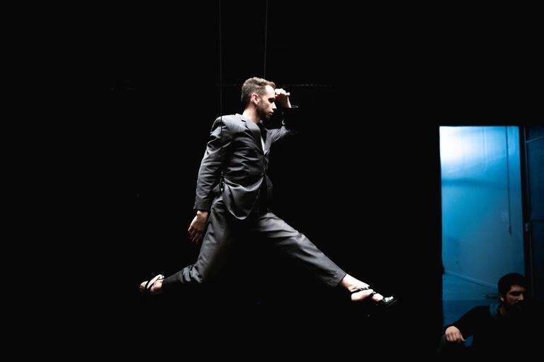 El agujero de la danza, de Juan Onofri Barbato, la propuesta que se estrenó en la página del CCK y que esta vez se podrá ver desde la plataforma de la sala de Parque Patricios