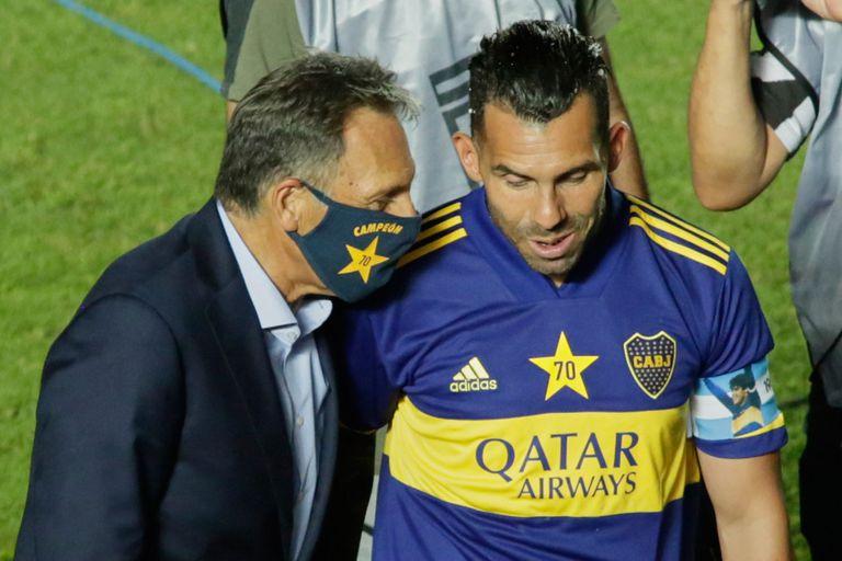 """""""Después del partido con Inter nos juramos no jugar más así. Y con Santos jugamos peor"""", dijo Tevez"""