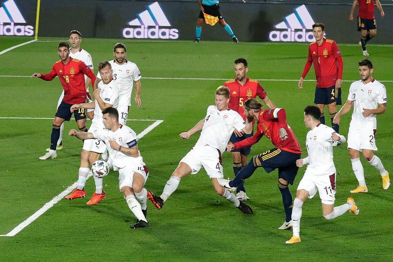 España derrotó por 1-0 a Suiza, por la tercera fecha de la Liga de Naciones de Europa