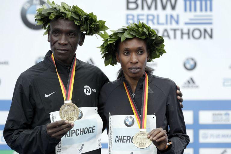 Kipchoge y Cherono, los ganadores
