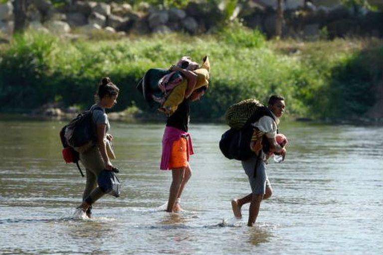 Cerca de 100.000 personas migran cada año desde Guatemala hacia Estados Unidos. Y la mitad de los ingresos del país proviene de las remesas