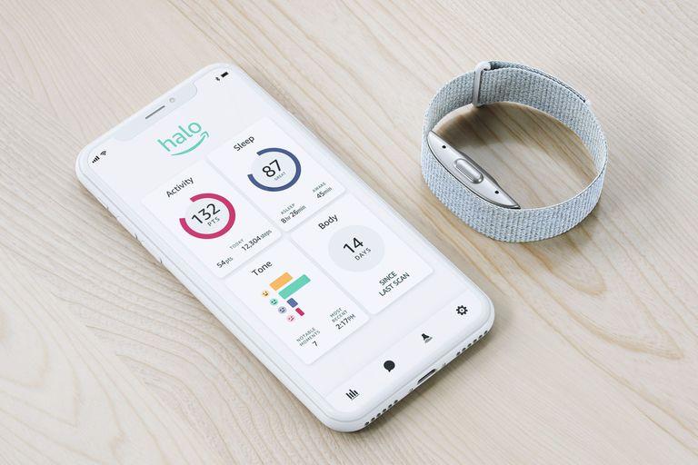 Halo: la pulsera de Amazon que usa micrófonos y una cámara para medir tu salud