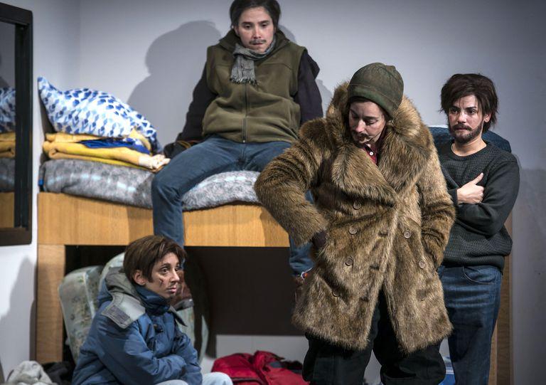 Las cuatro actrices de Piel de Lava, en Petróleo