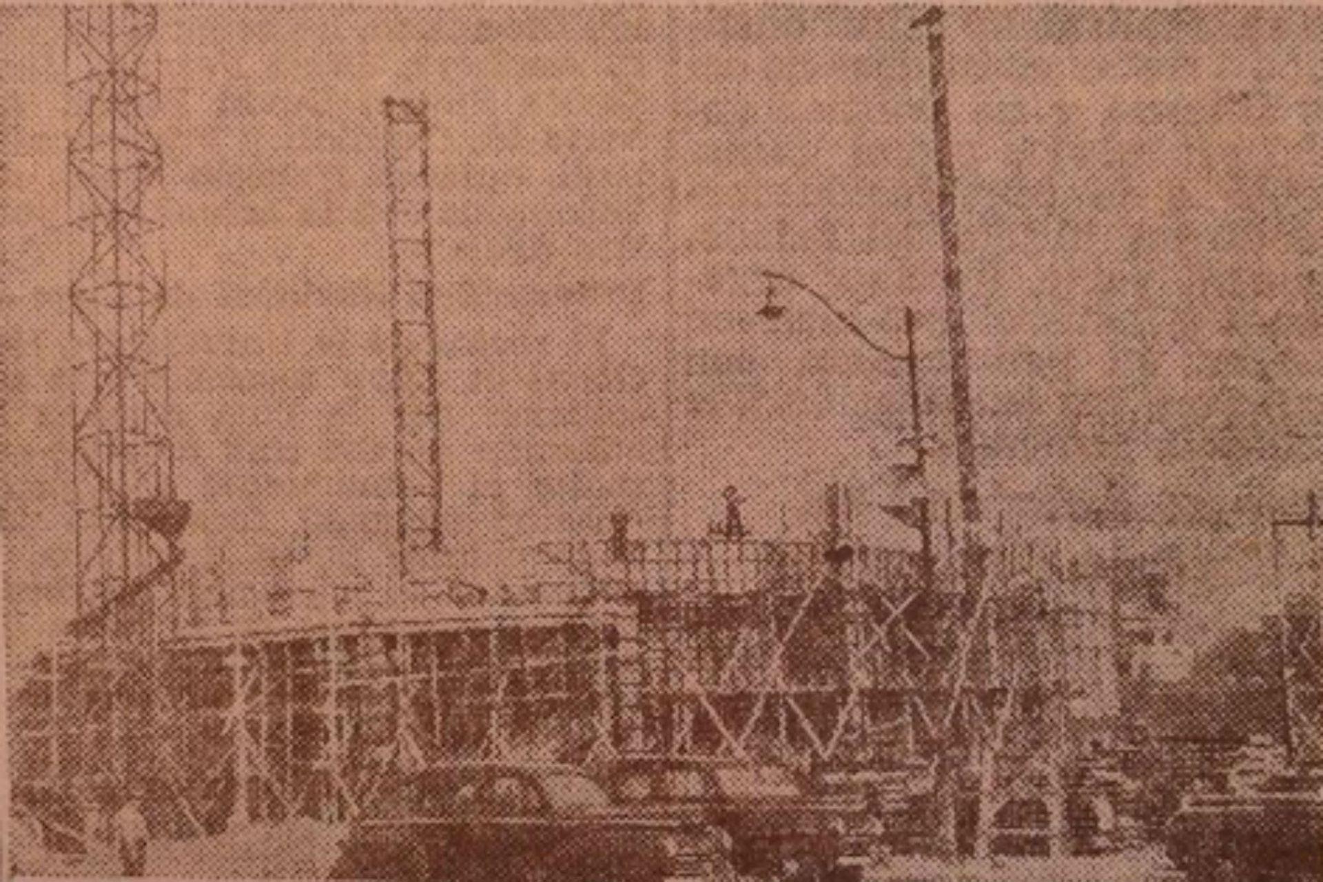 La platea de la obra estaba preparada para resistir las 42.000 toneladas del monumento