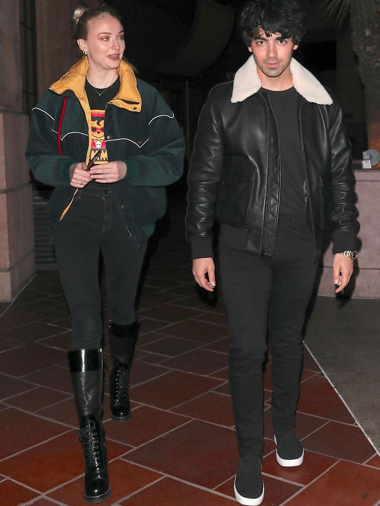 Mientras planean su casamiento, Sophie Turner y Joe Jonas disfrutan de sus salidas románticas