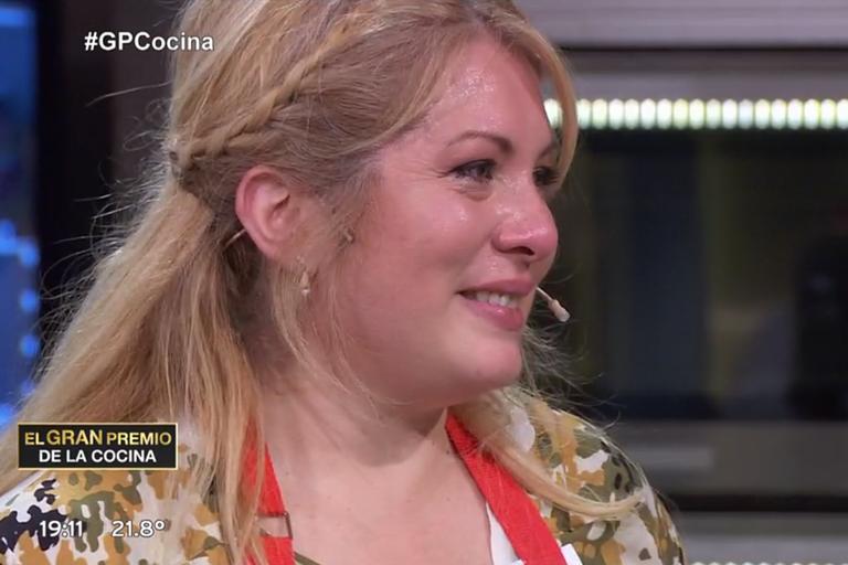 Laura, flamante participante de El gran premio de la cocina, se conmovió en vivo al entregar un plato de pastas que le recordó a su madre