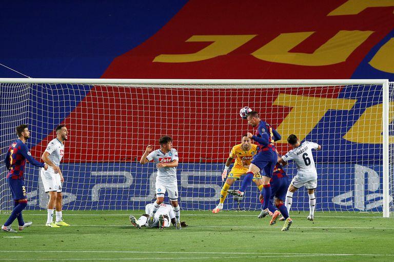 El cabezazo de Clement Lenglet se convertirá en el 1-0 de Barcelona ante Napoli