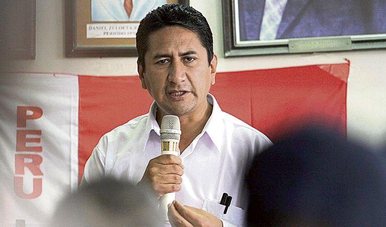 Vladimir Cerrón, el hombre que impulsó a Pedro Castillo y ahora será su mayor problema