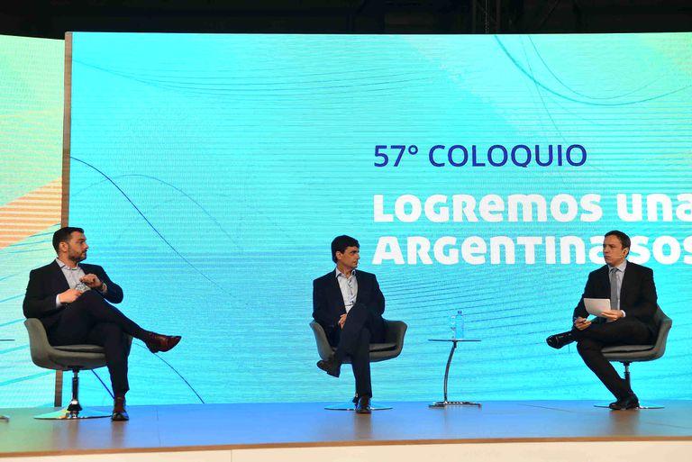 Los economistas Emmanuel Álvarez Agis y Hernán Lacunza dialogaron con José Del Río (LA NACION) durante el 57° Coloquio IDEA