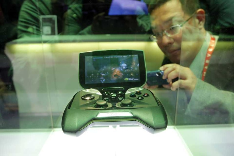 Nvidia lanzó el Tegra 4 de cuatro núcleos junto a su consola Shield, basada en Android
