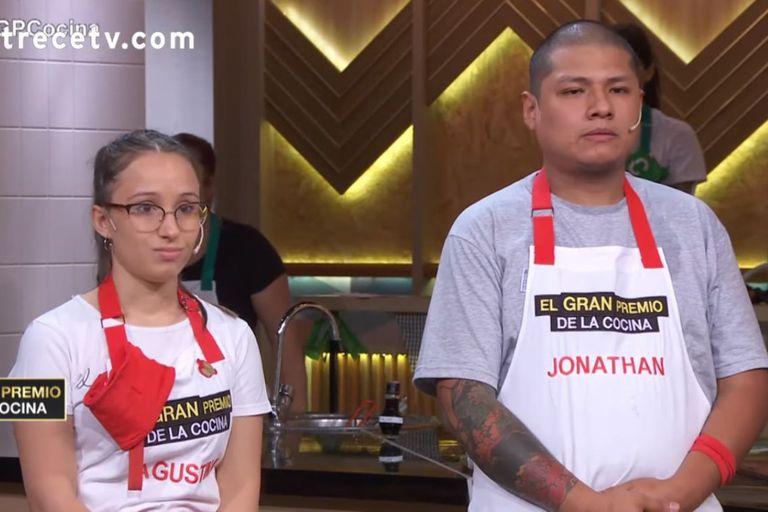 Jonathan le criticó ayer a Agustina la forma de desempeñar su rol como capitana del equipo rojo en el reality culinario
