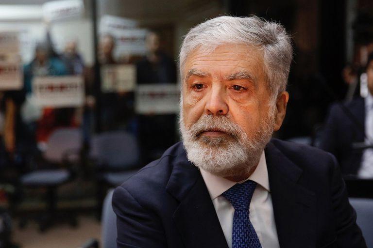 La Cámara de Casación confirmó el fallo que había condenado a Julio De Vido por fraude al Estado, pero no lo encontró culpable de las 51 muertes; lo inhabilitó de por vida para ejercer cargos públicos