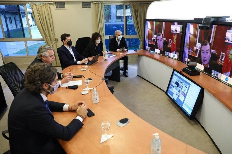 Alberto Fernández y sus ministros se reunieron por videoconferencia con los gobernadores