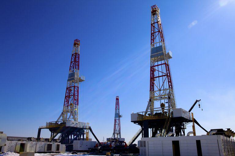 Las empresas petroleras acordaron con los gremios