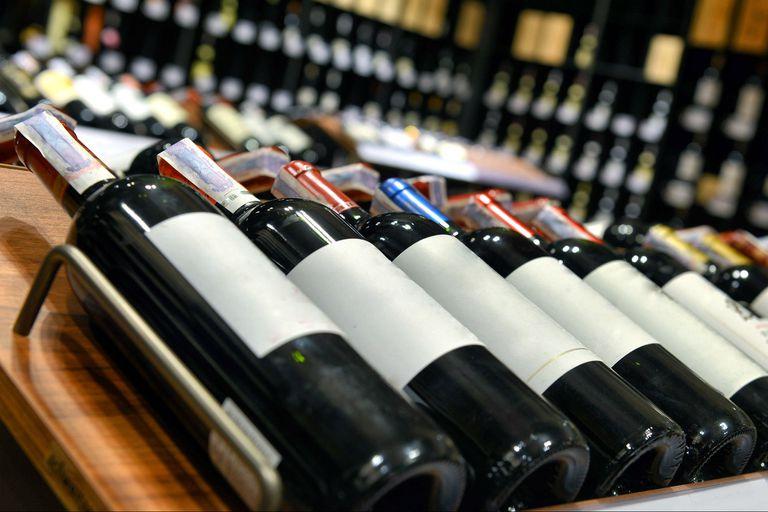 El consumo interno sintió el impacto de la crisis y del crecimiento de otros sustitutos al vino