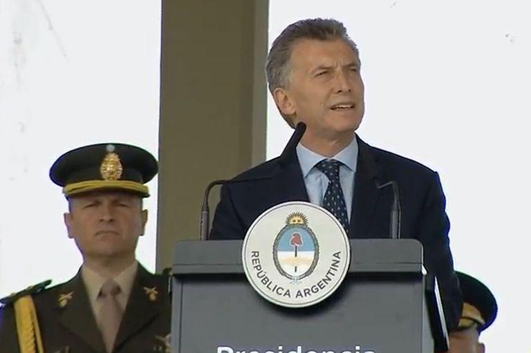 Suma rechazos la intención de Macri de redefinir el rol de las Fuerzas Armadas