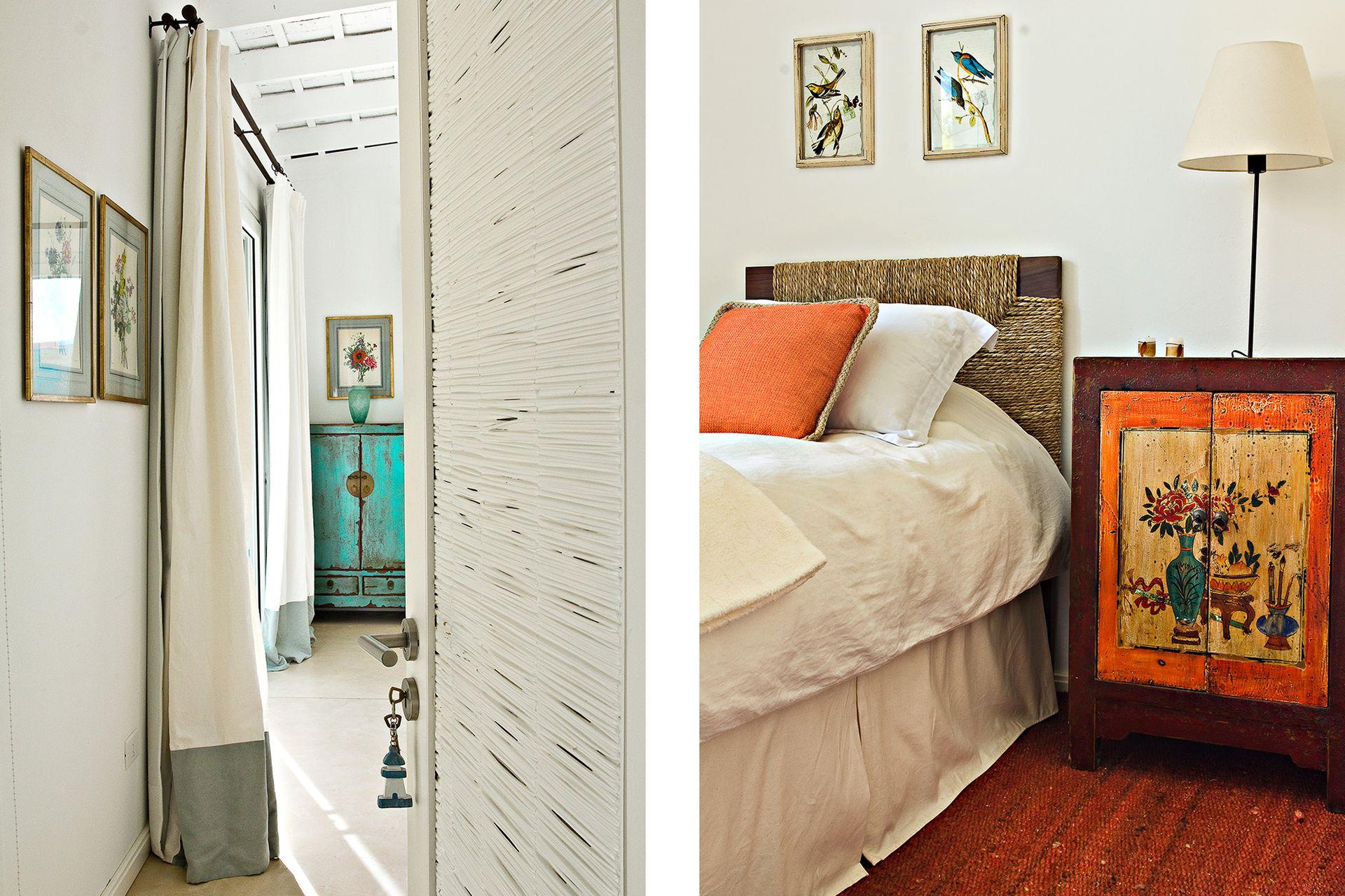 Las puertas de los dormitorios se hicieron artesanalmente, con marcos de madera y esterilla de mimbre pintada con látex blanco.