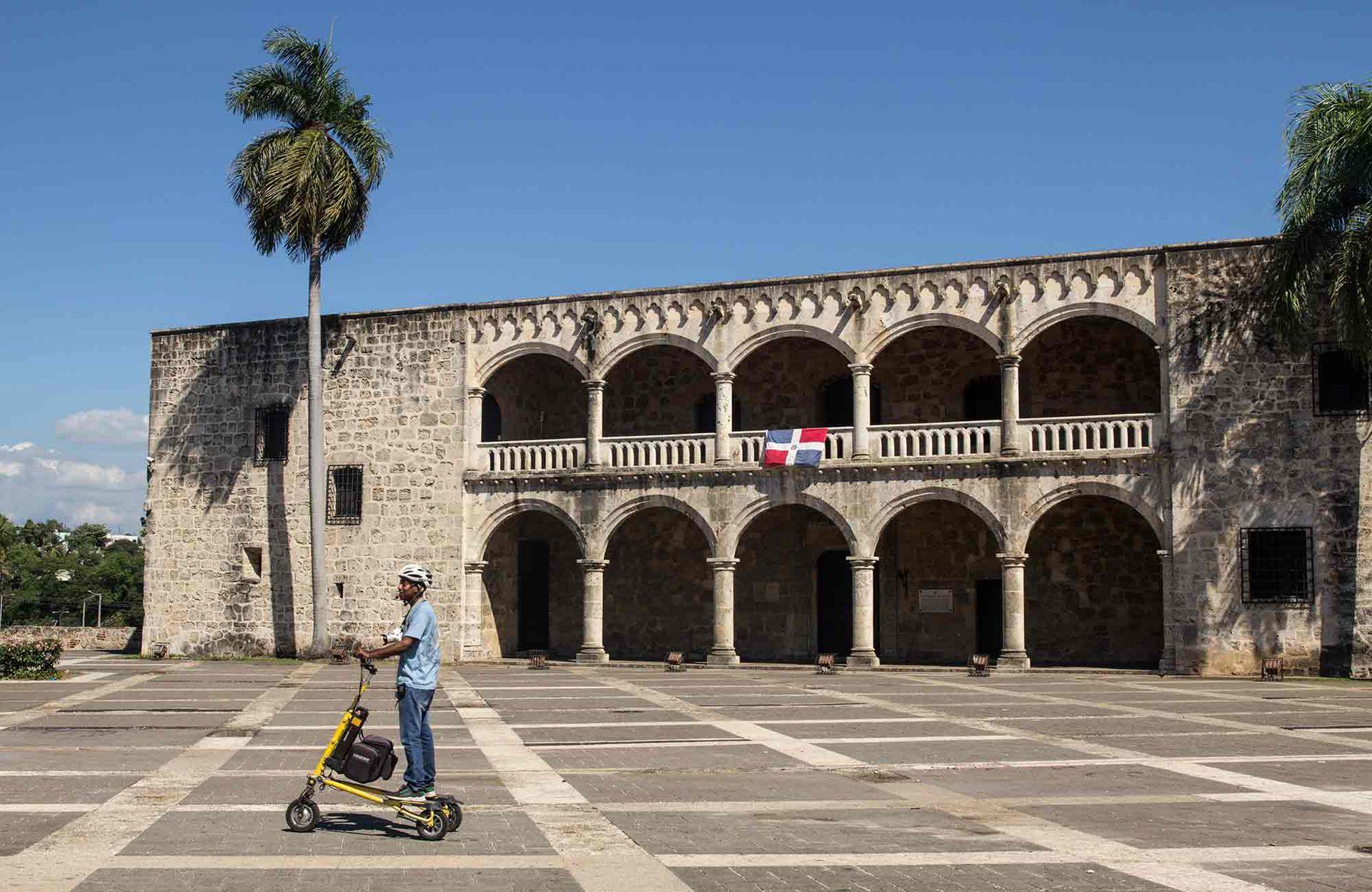 Alcázar de don Diego de Colón, construido en 1500, en el centro histórico de Santo Domingo.