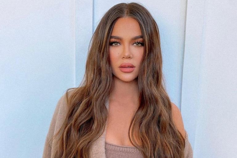 Khloé Kardashian le recomendó a sus seguidores que reciclen el plástico en sus hogares, pero los usuarios le respondieron con críticas por su estilo de vida